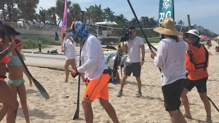 Paddlers travel to Bahamas to raise money for cystic fibrosis( WPEC)