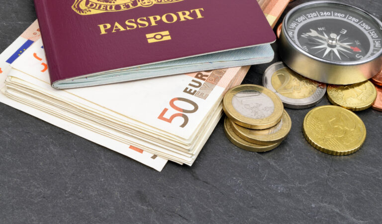 We're wasting money when we travel – 5 ways to avoid unnecessary fees
