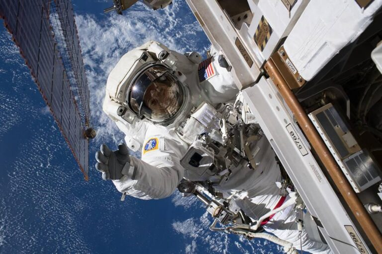 Nine Travel Tips from Astronauts