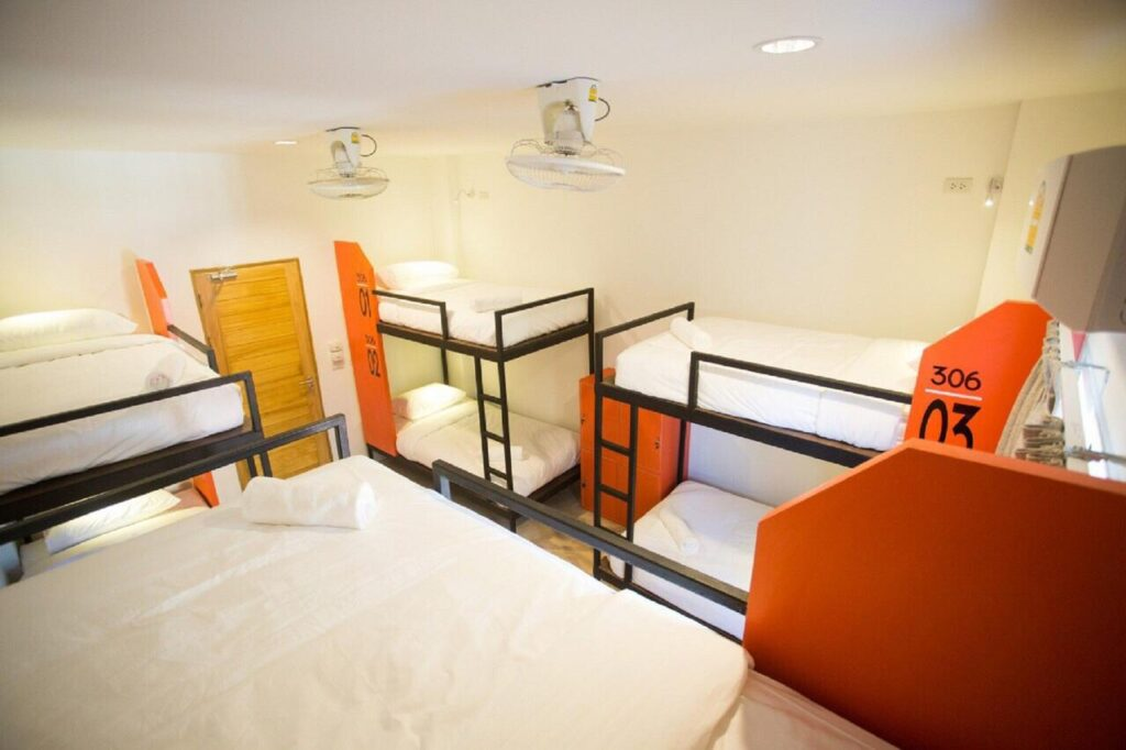 mad monkey hostel rooms
