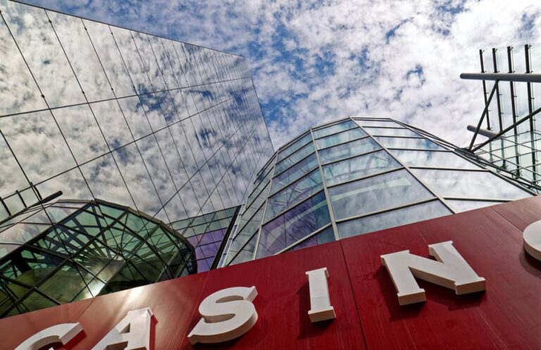 Top 5 Most Entertainment-Focused Casino Resorts in the World